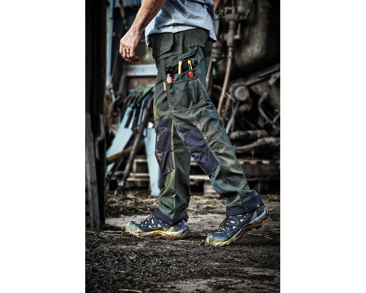 Knee Inserts Black FREE SOCKS Dickies Workwear Eisenhower Pocket Trouser Pants