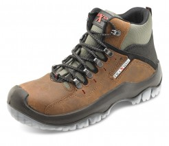 Traxion Xtra Grip Safety Boot w/ water resistant membrane